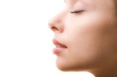 Lippenvolumen / Lippenkonturen unterspritzen